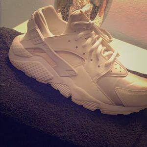 8f54427aaf2 Women How To Clean Nike Shoes on Poshmark